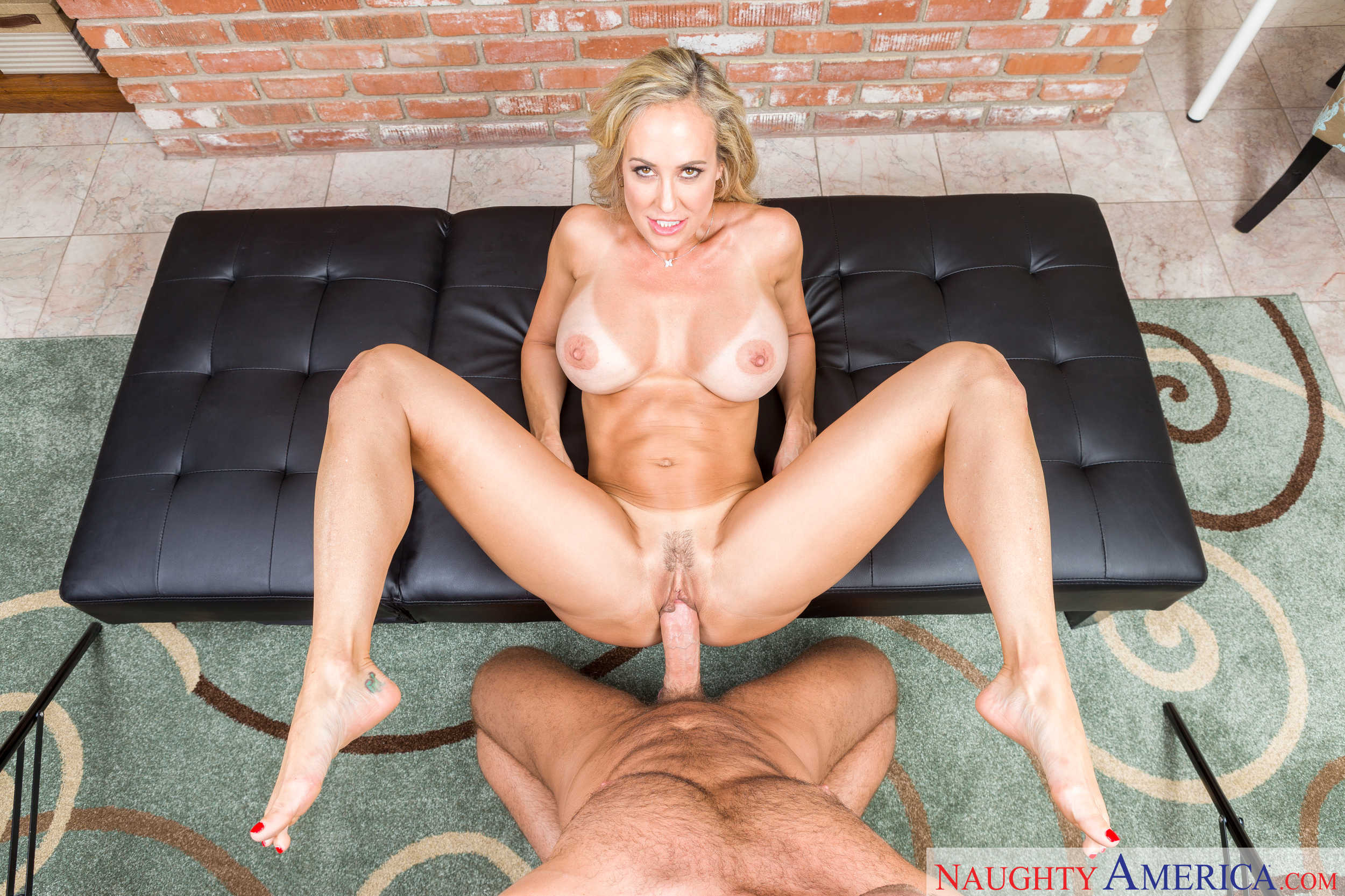 Brandi Love In Stepmom Screw - Vr 4 Porn-9772