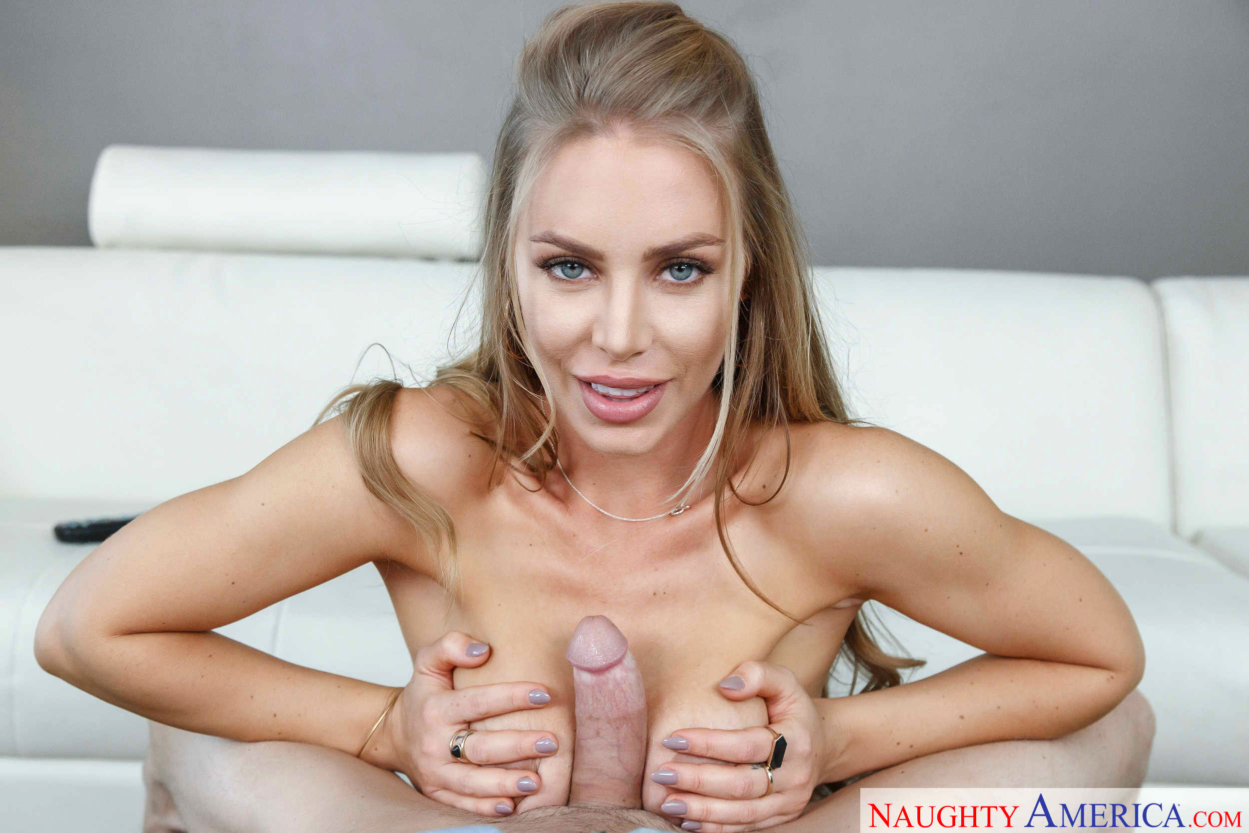 Nicole Aniston Eating Pussy